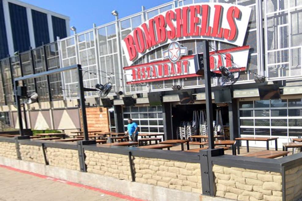Bombshells cerrará hasta el jueves debido a casos de covid-19, anunció el restaurante en Facebook.