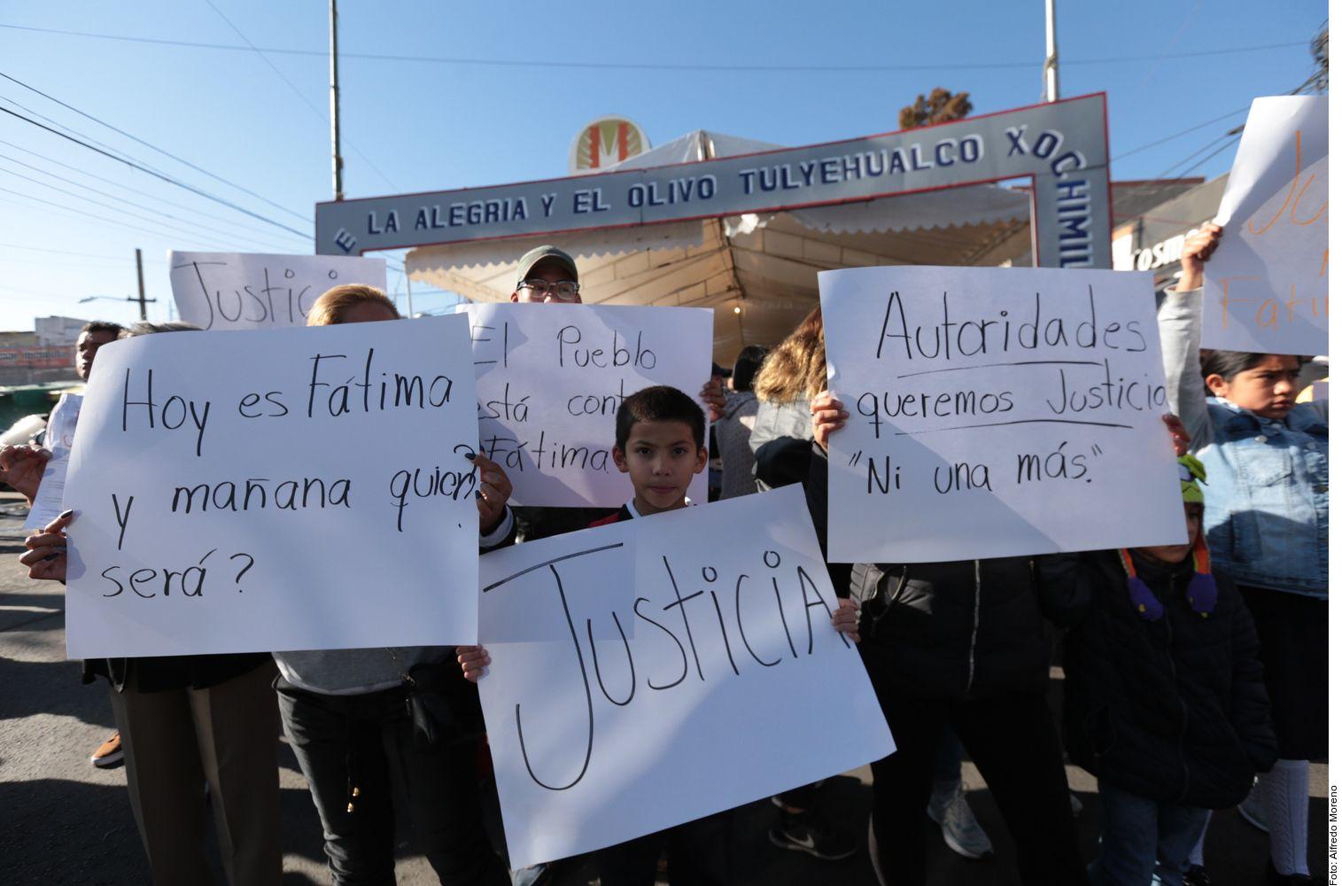 Manifestantes reclaman por la muerte de Fátima.