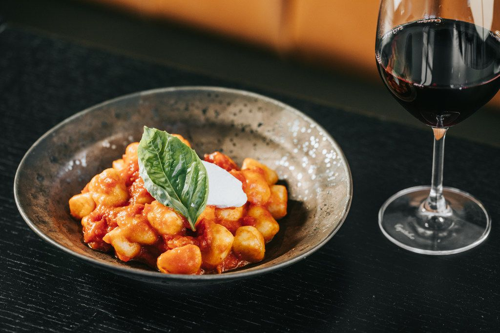 Though 400 Gradi is named for the temperature it cooks pizzas, the restaurant also has a robust pasta menu.