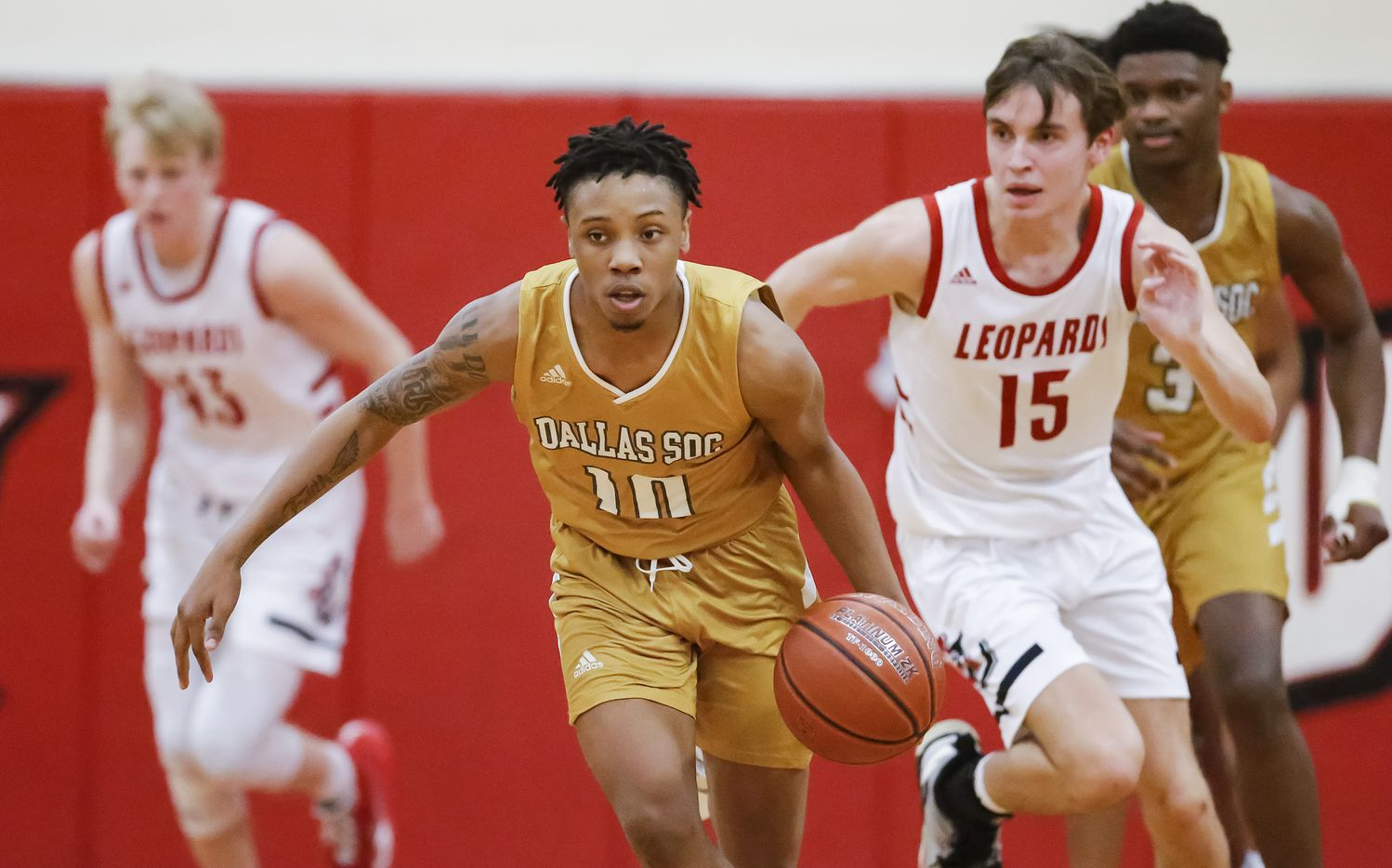 South Oak Cliff senior guard drives up the court during the first half of a Class 5A area-round playoff basketball game against Lovejoy at Lake Highlands High School in Dallas, Wednesday, February 24, 2021. South oak Cliff won 46-44. (Brandon Wade/Special Contributor)