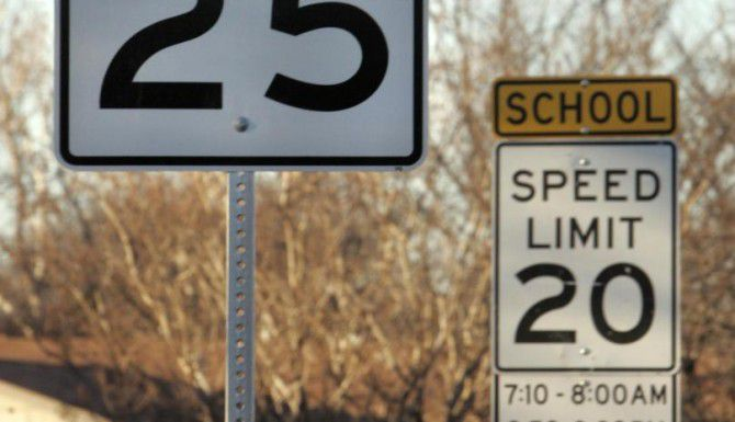 El distrito escolar de Dallas pide a los automovilistas que bajen la velocidad en zonas escolares durante el verano. (DMN/ARCHIVO)