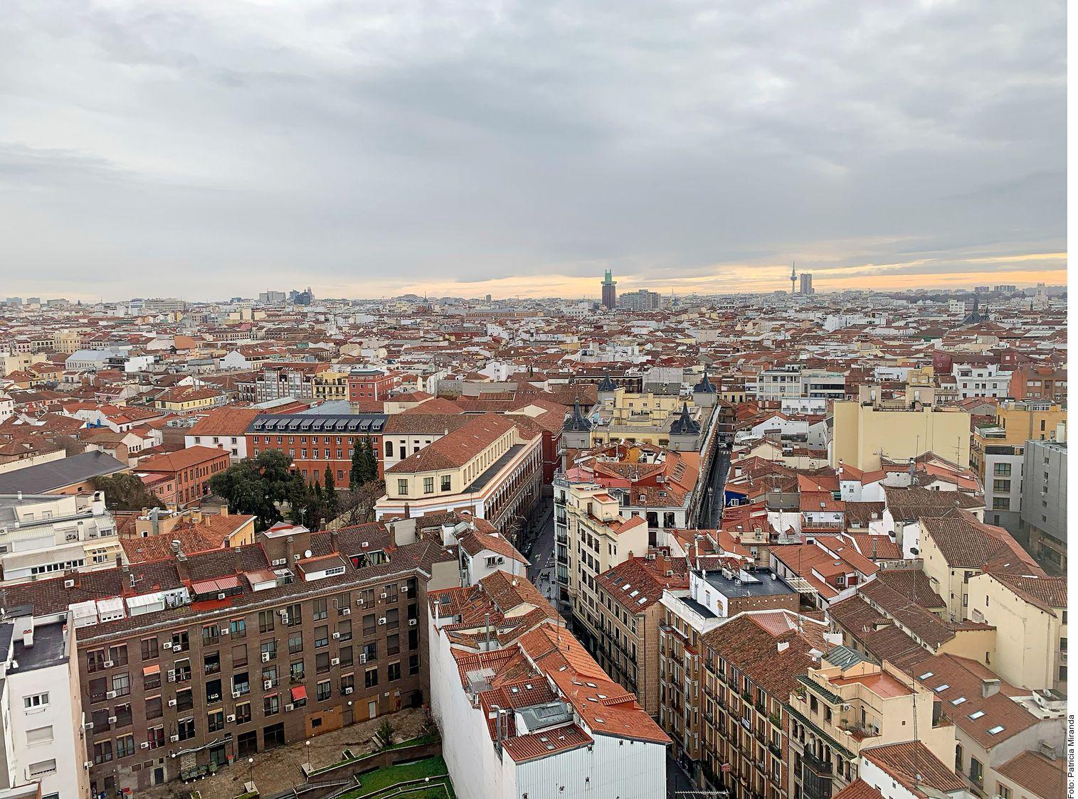 Para disfrutar Madrid hay que andar a buen ritmo, como los madrileños, por esas calles que conducen a barrios que esconden plazas, que cobijan terrazas, que sirven festines, que se quedan en el alma.