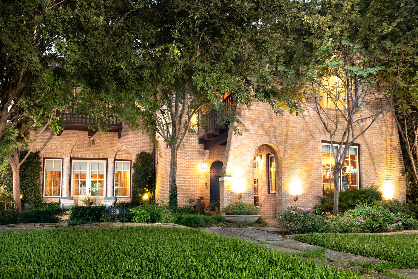 A look at the property on 3616 Vintage Place in Dallas.