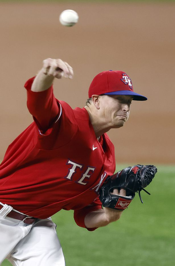 Texas Rangers starting pitcher Kyle Gibson (44) throws against the Houston Astros during the first inning at Globe Life Field in Arlington, Texas, Friday, May 21, 2009. (Tom Fox/The Dallas Morning News)