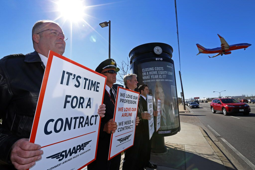 Southwest Airlines pilots protested the drawn-out negotiations over a new labor contract last month at Mockingbird Lane and Cedar Springs Road in Dallas. (Jae S. Lee/Staff Photographer)