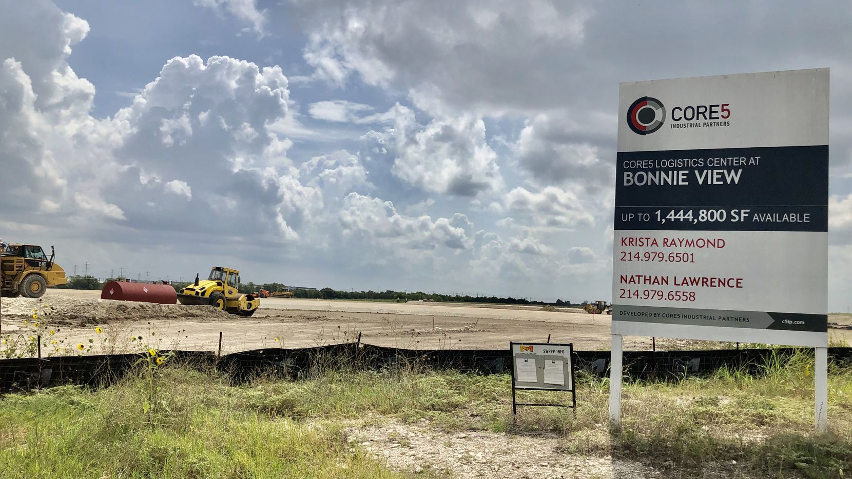 Construction crews have started the almost 1 million square-foot warehouse project south of Interstate 20 in Dallas.