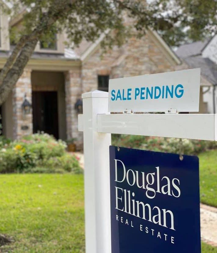 Douglas Elliman Real Estate has more than 7,000 agents working in more than 100 offices.