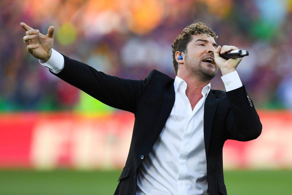 David Bisbal y otros cantantes españoles se unieron para interpretar 'Resistiré', himno de la lucha contra la pandemia.
