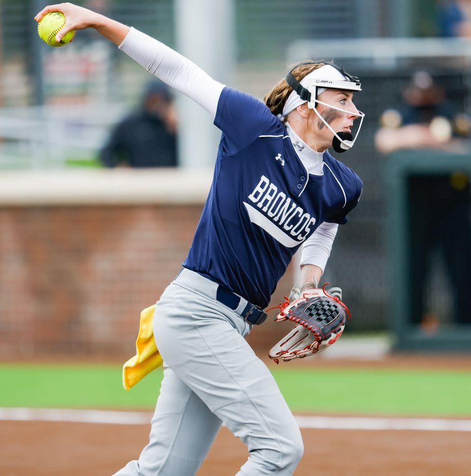 McKinney Boyd's pitcher Kinsey Kackley (10) pitches to Flower Mound during the first inning of a Class 6A bi-district playoff game on Friday, April 30, 2021, in Denton. (Juan Figueroa/The Dallas Morning News)