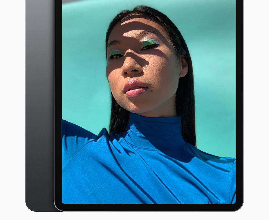 All of the screen size with hardly any bezel. The 2018 iPad Pro is newly designed and much faster than its predecessor.