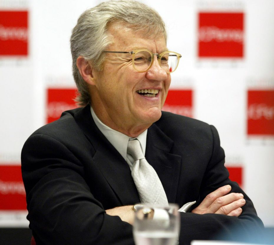 Former J.C. Penney chairman and CEO Allen Questrom at Penney's Plano headquarters in 2004.