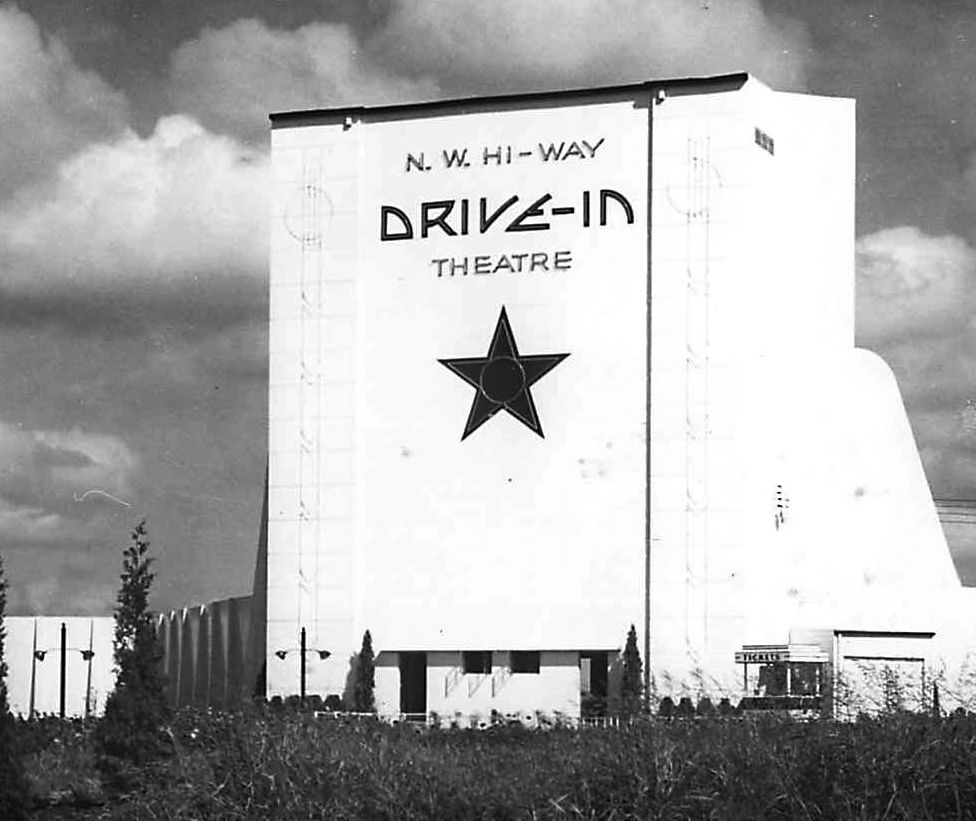 Dallas Once Had 19 Drive In Theaters Now It Has Zero Curious Texas Explains Why They Re Gone