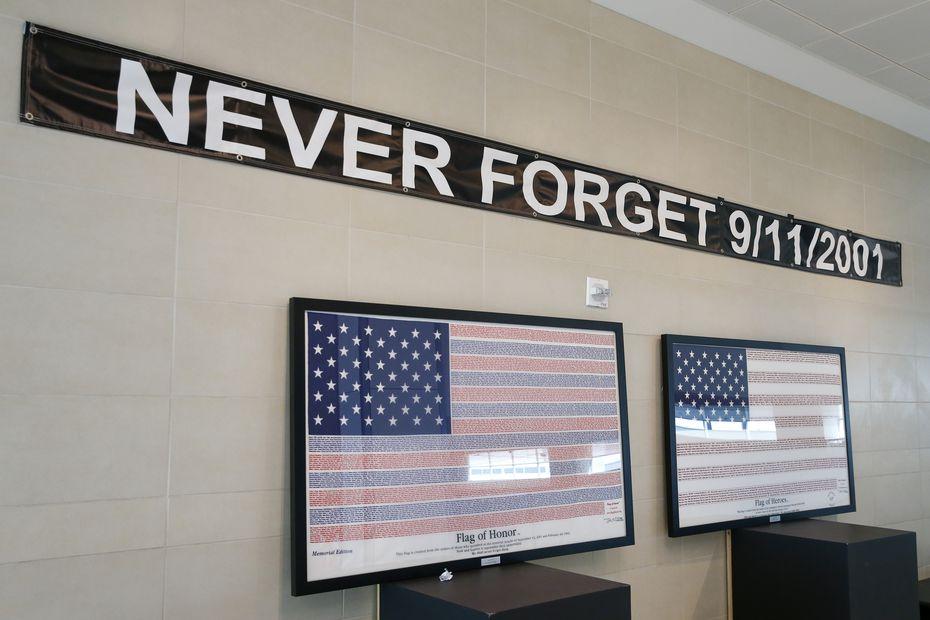 Un homenaje conmemorativo para las víctimas del ataque del 11 de septiembre de 2001 en el aeropuerto Dallas Love Field, el 2 de septiembre de 2021 en Dallas.