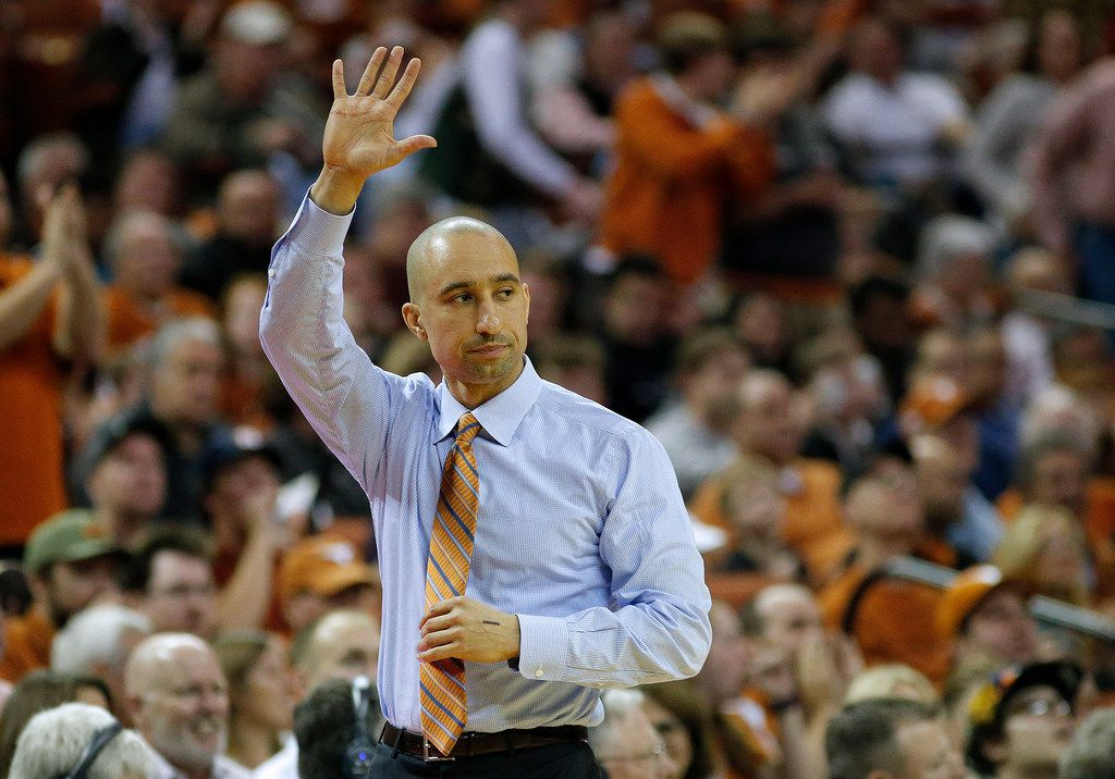 AUSTIN, TX - FEBRUARY 3: Head coach Shaka Smart of the Texas Longhorns reacts as his team plays the Oklahoma Sooners at the Frank Erwin Center on February  3, 2018 in Austin, Texas. (Photo by Chris Covatta/Getty Images)