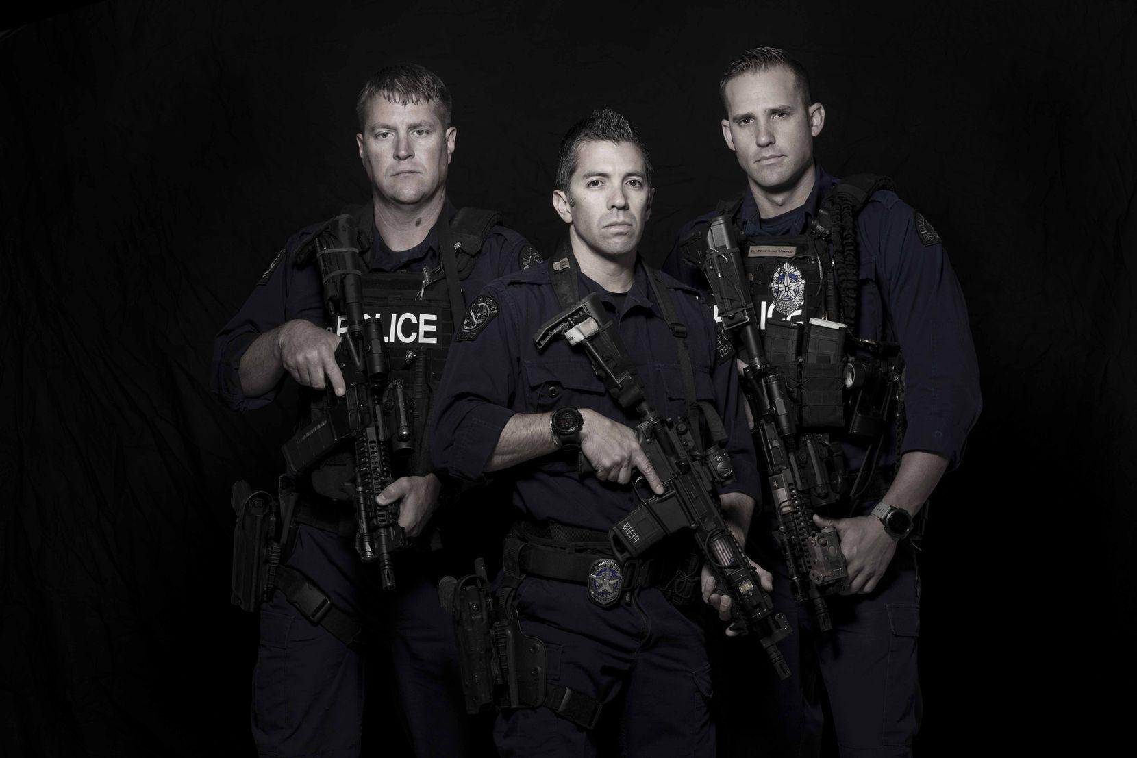 Ryan Scott, Danny Canete y Brandon Berie, conocidos en SWAT como los Tres Amigos. SMILEY N. POOL/DMN