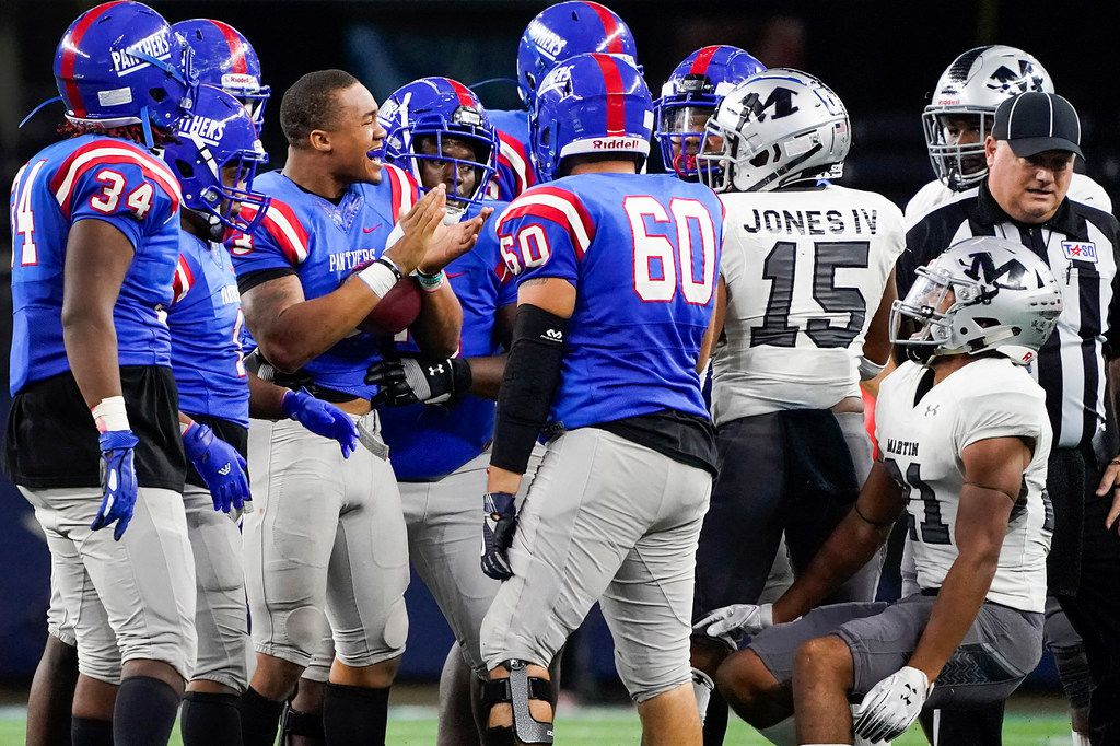 Duncanville quarterback JaÕQuinden Jackson (3)  celebrates after picking up a first down, and a penalty against the Arlington Martin defense, during the second half of a Class 6A Division I Region I semifinal playoff football game at AT&T Stadium non Friday, Nov. 29, 2019, in Arlington. (Smiley N. Pool/The Dallas Morning News)