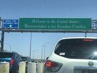 El Puente Internacional de las Américas conecta El Paso, Texas, con Ciudad Juárez, México.