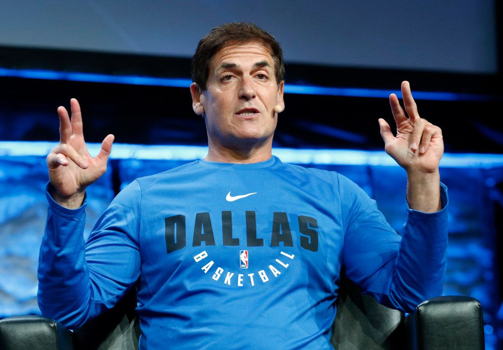 Dallas Mavericks owner Mark Cuban, right, answers question from Scott Murray during the 63rd American Society for Industrial Security International Annual Seminar at the Kay Bailey Hutchinson Convention Center on Monday, September 25, 2017 in Dallas. (David Woo/The Dallas Morning News)
