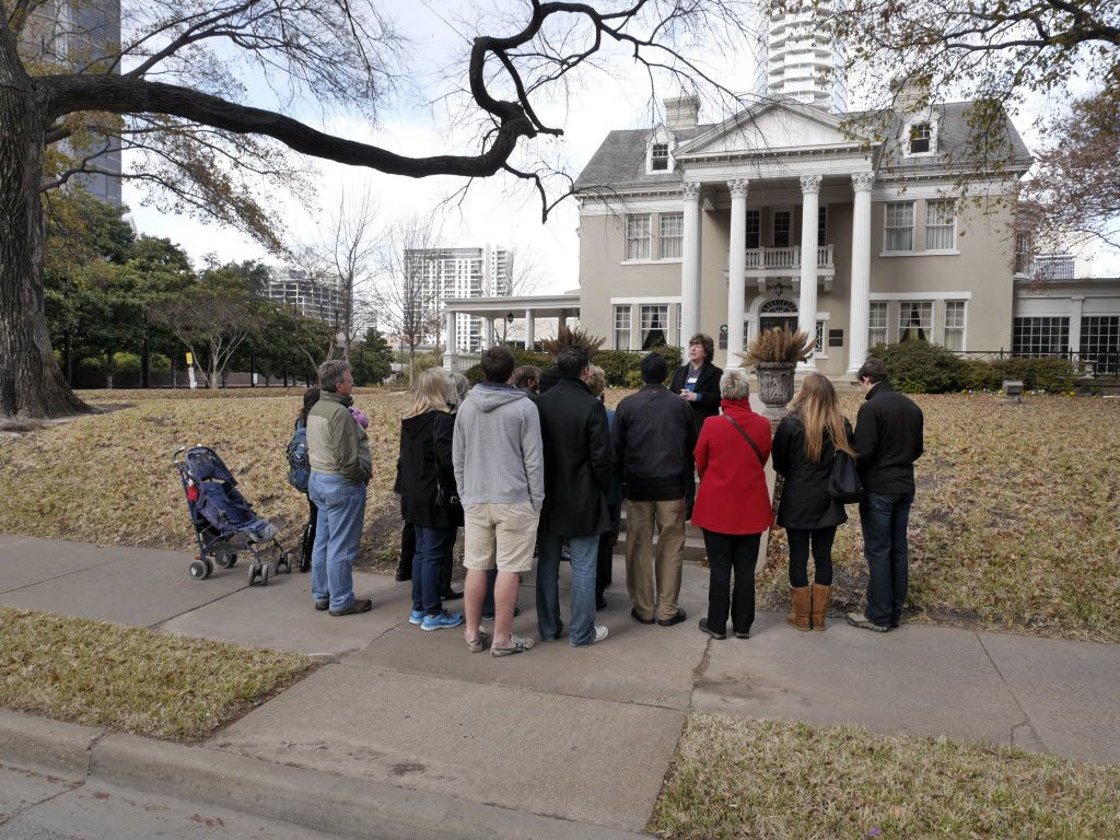 The Belo Mansion was featured on an architecture walking tour in 2014.