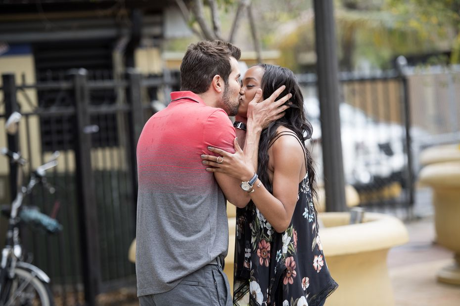 Rachel Lindsay and Bryan Abasolo just casually locking lips somewhere in his hometown of Miami.