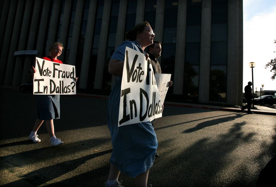 Protesters gathered in front of the Dallas County elections office on Nov. 12, 2008, to protest what they believed was voter fraud in the House District 105 race.