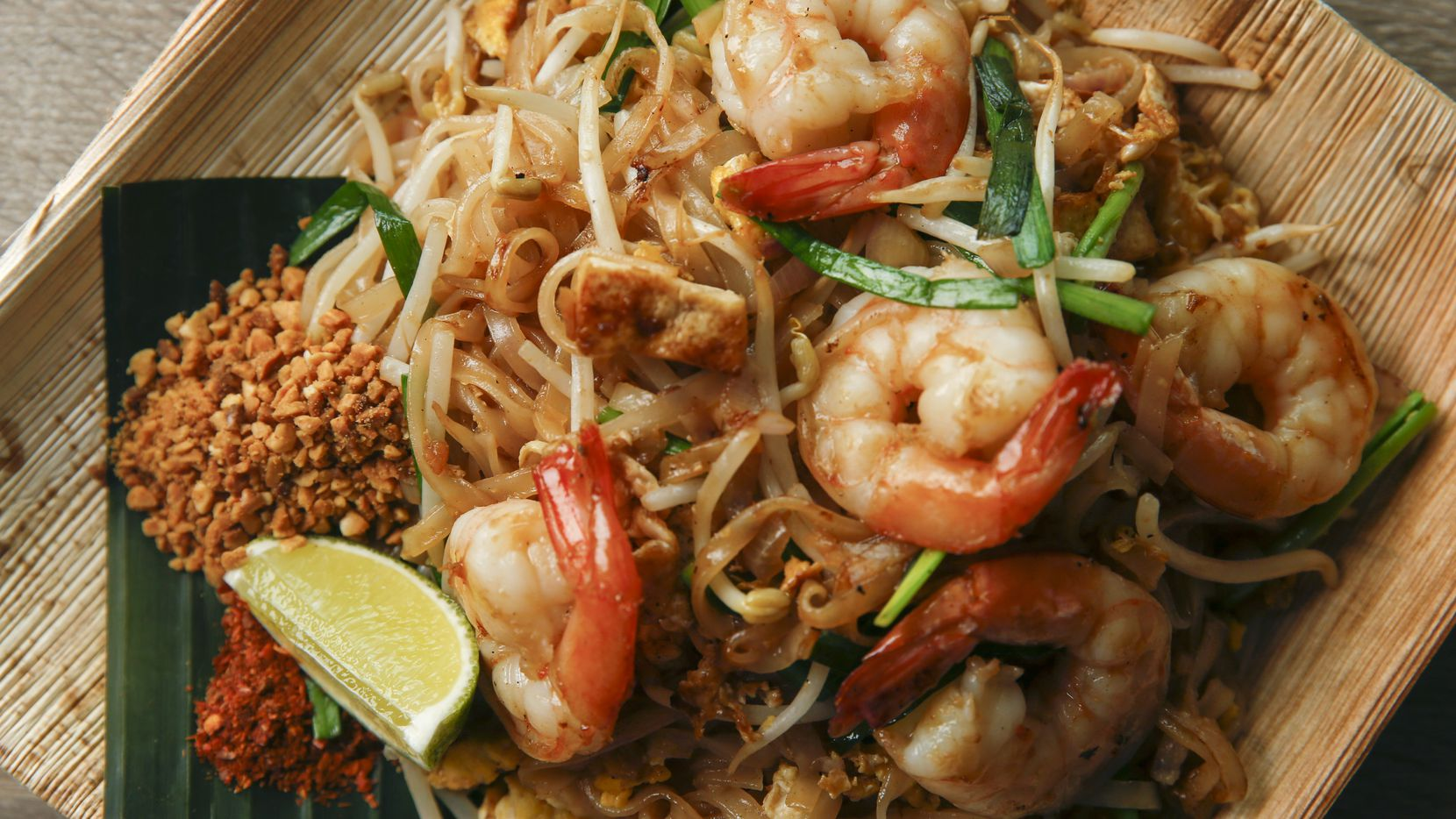 Pad Thai Goong Sod, stir fried noodles,