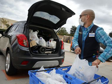In an effort to meet online demand, Walmart dropped its $35 minimum purchase requirement for express delivery. With mask rules and COVID concerns returning, consumers are looking for other options for grocery shopping.