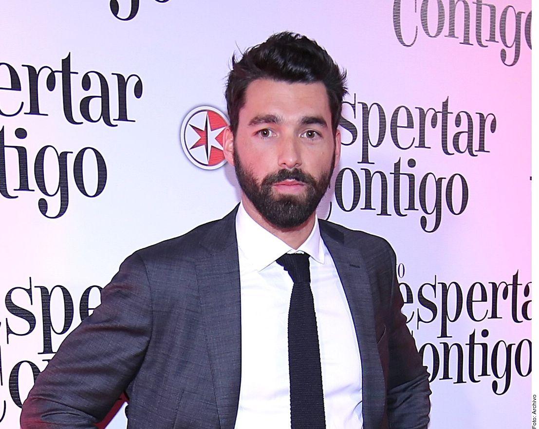 """Gonzalo Peña fue suspendido de """"Qué le pasa a mi familia"""" por ser presunto cómplice en la violación a Daniela Berriel."""