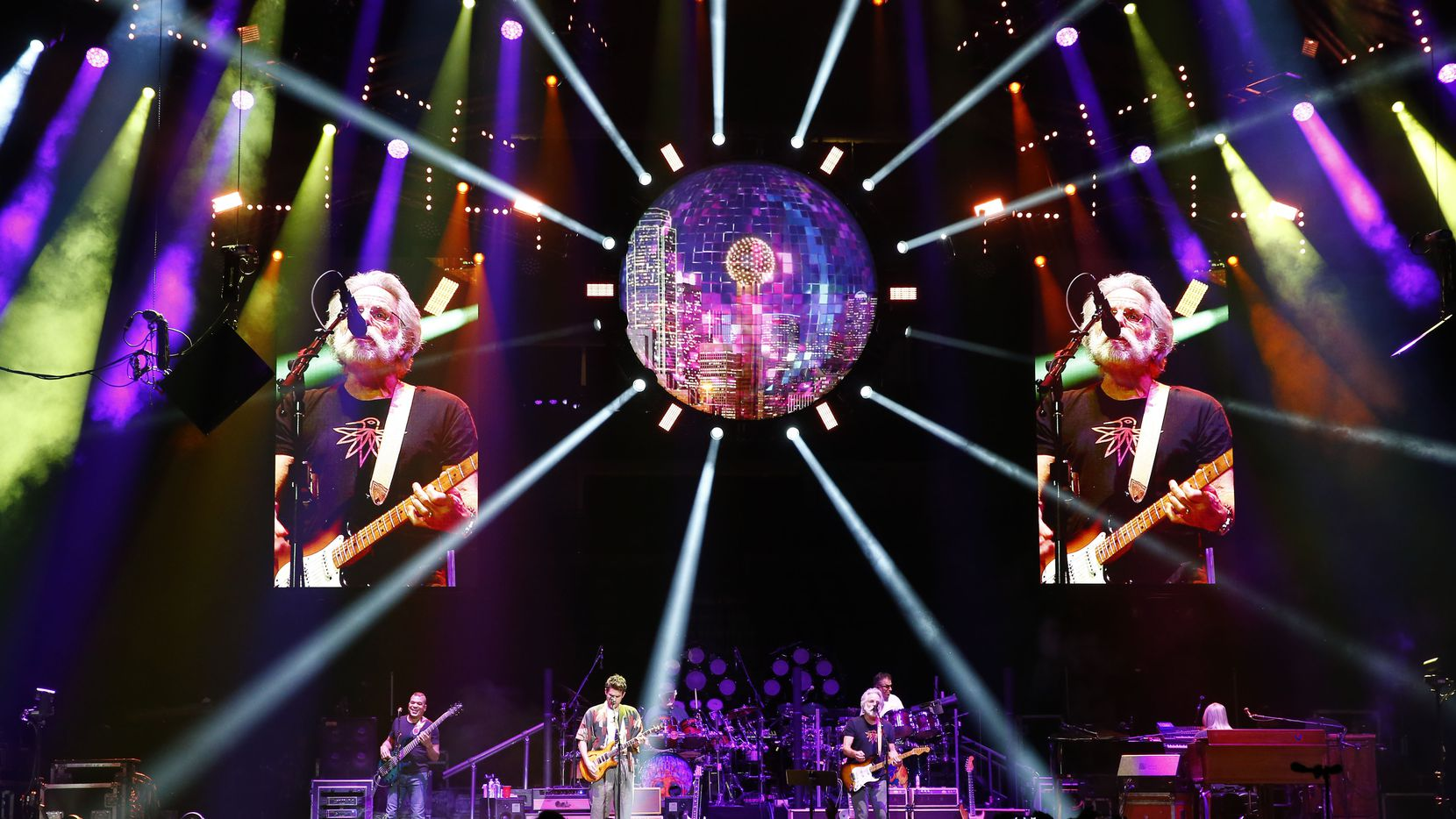 John Mayer, Bob Weir and others perform with Dead & Company at American Airlines Center in 2017.