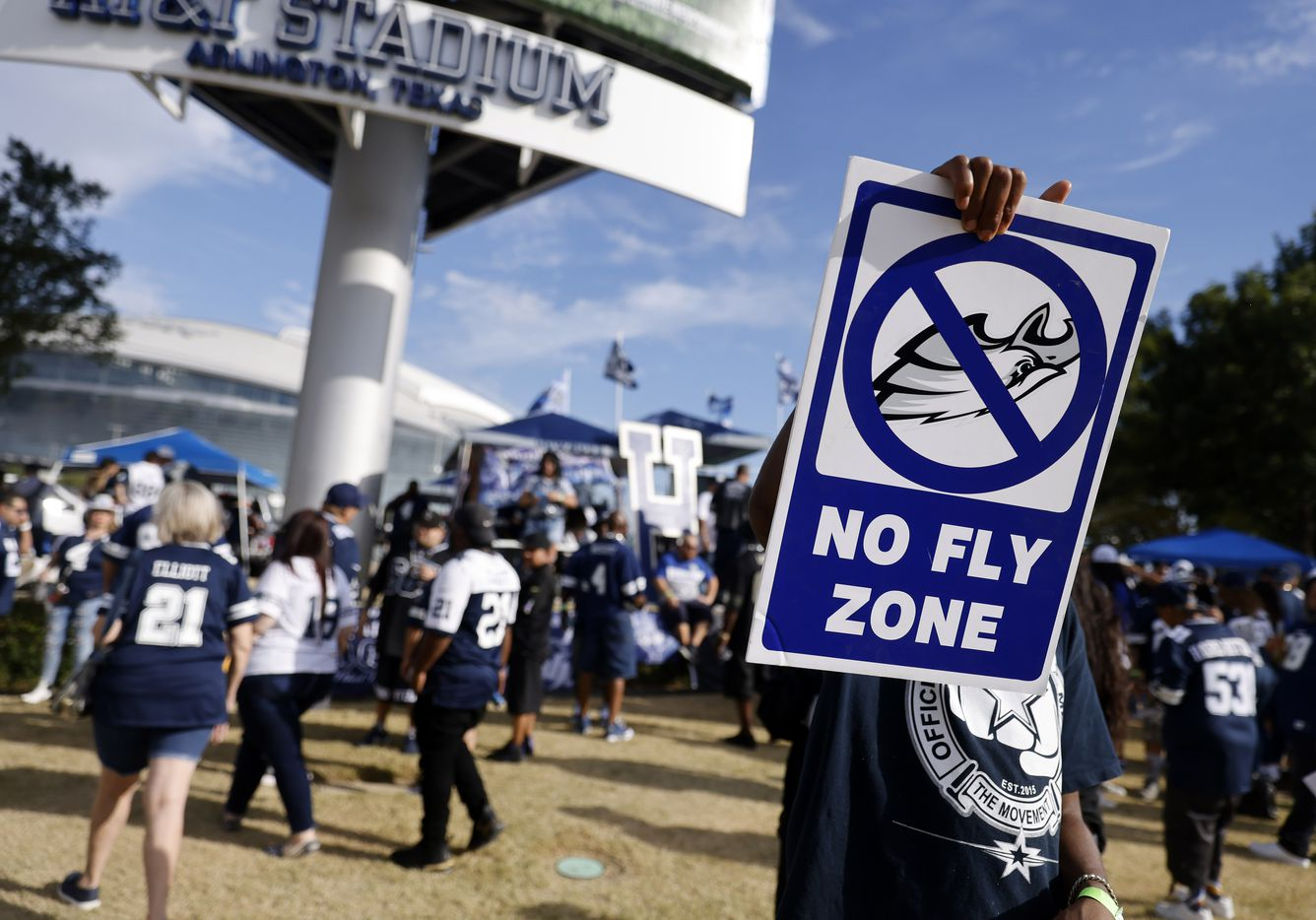A Dallas Cowboys fan spreads the word about the Philadelphia Eagles before the Monday Night Football game at AT&T Stadium in Arlington, Monday, September 27, 2021. (Tom Fox/The Dallas Morning News)