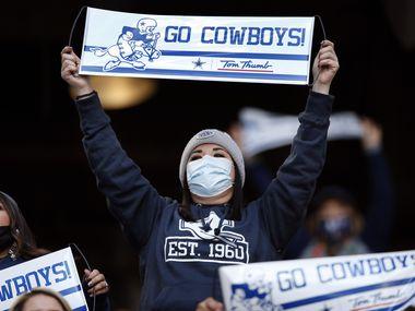 Los seguidores de los Dallas Cowboys mantienen la esperanza de ver a su equipo en los playoffs de la NFL.