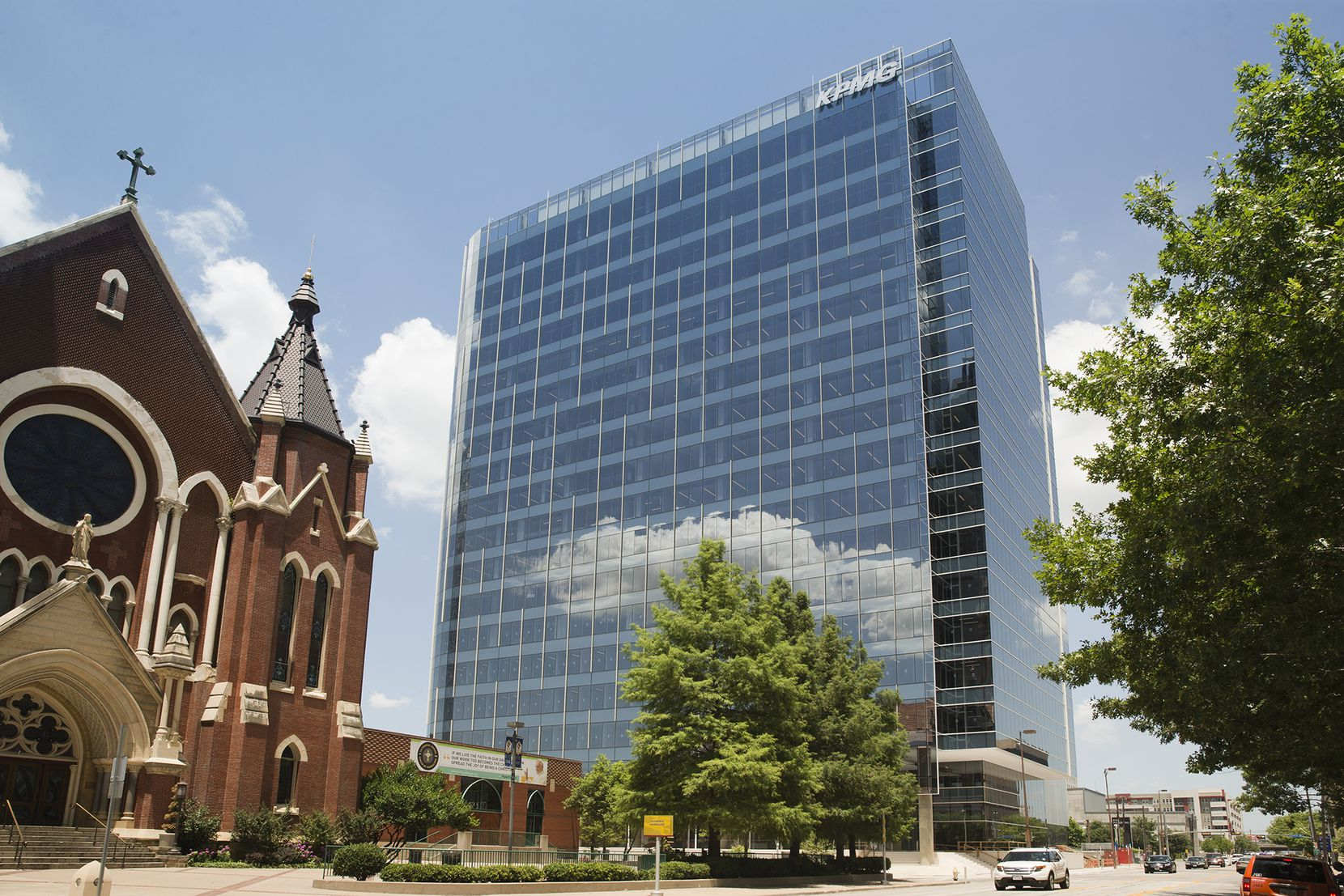 The KPMG Plaza tower on Ross Avenue is selling for an estimated $240 million.