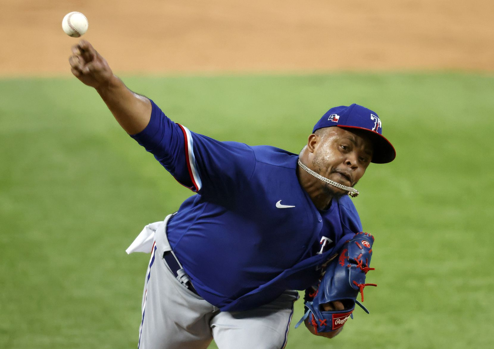 Texas Rangers pitcher Edinson Vólquez throws in relief during an intrasquad game at Summer Camp inside Globe Life Field in Arlington, Texas, Friday, July 10, 2020. (Tom Fox/The Dallas Morning News)