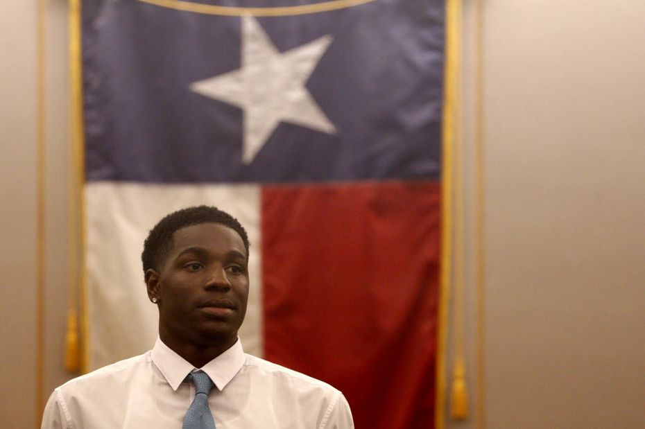 Johnathan Turner looked toward Troy Causey Jr.'s family after pleading guilty to manslaughter in exchange for seven years' deferred adjudication in Dallas on July 6, 2015.