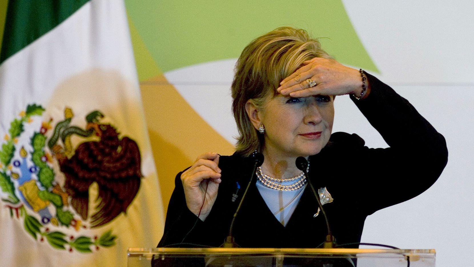 Hillary promete mantener las medidas de Barack Obama e impulsar una reforma migratoria con vía a la ciudadanía.