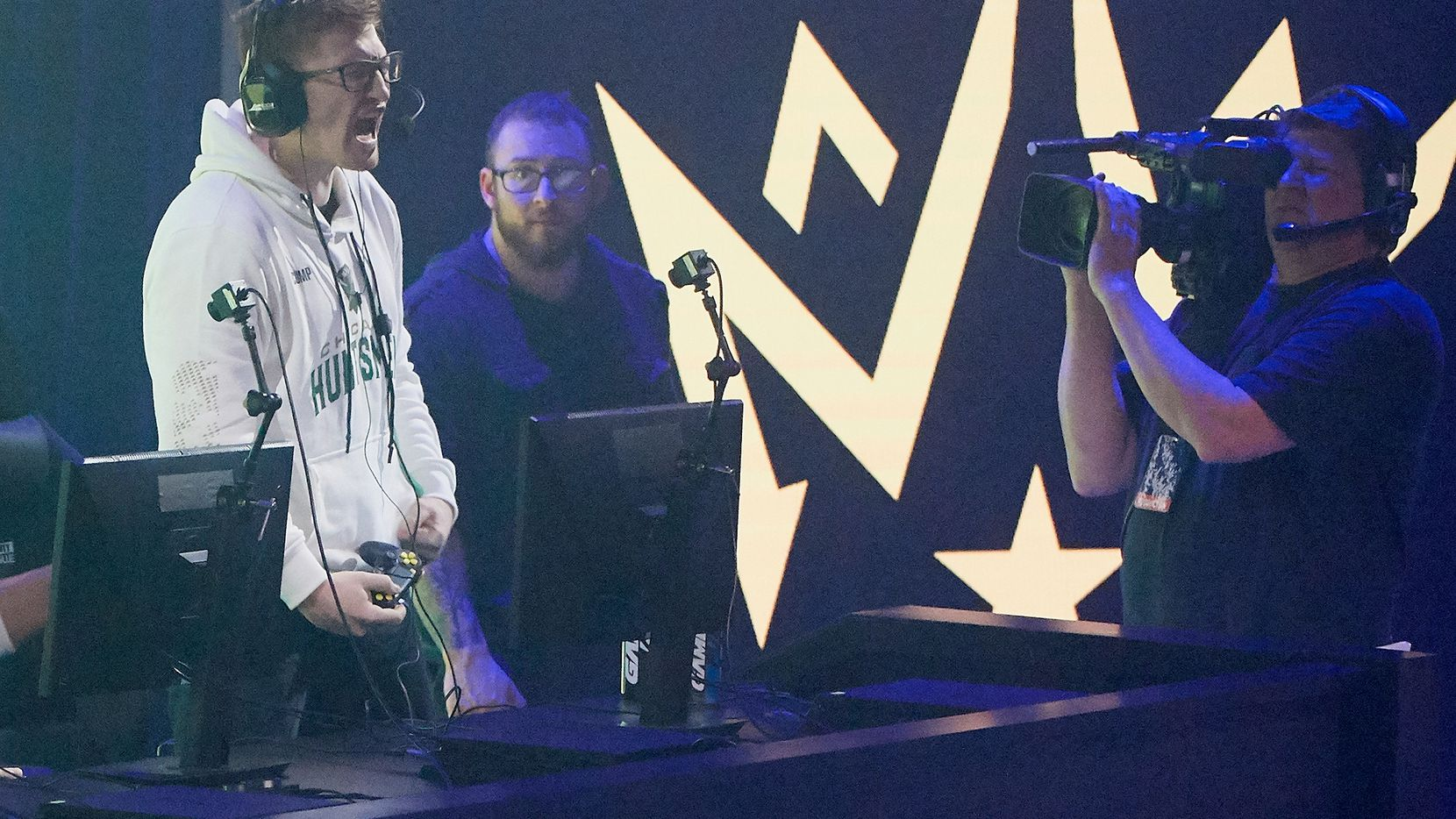 """MINNEAPOLIS, MINNESOTA - JANUARY 24: Seth """"Scump"""" Abner of the Chicago Huntsmen celebrates after taking a game against the Dallas Empire during day one of the Call of Duty League launch weekend at The Armory on January 24, 2020 in Minneapolis, Minnesota. (Photo by Hannah Foslien/Getty Images)"""