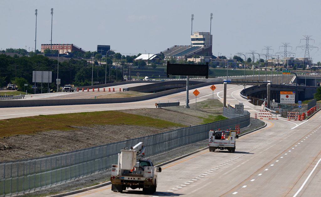 A view of Mansfield ISD's Vernon Newsom Stadium next to the 360 Turnpike in Mansfield. (Nathan Hunsinger/The Dallas Morning News)