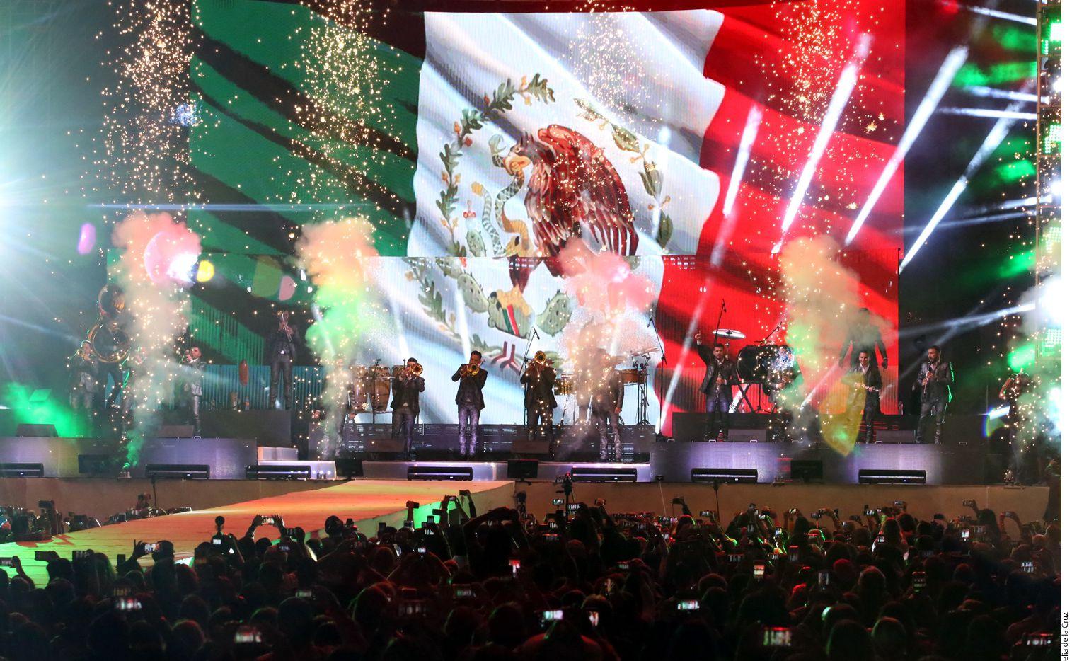 Banda El Recodo cumple 80 años y los festeia junto a Mariachi Vargas en gira por el país. Foto Agencia Reforma