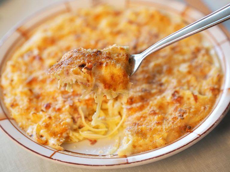 Se pueden usar diferentes tipos de pasta para hacer al horno con pollo u otro tipo de carnes blancas.