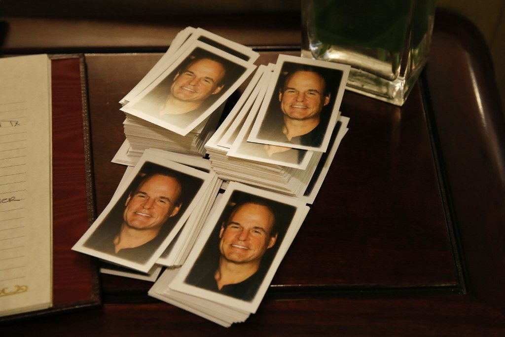 Card in memoriam of Brian Loncar sit for guests during the visitation for Loncar at Sparkman Hillcrest Funeral Home in Dallas Thursday December 8, 2016.  (Andy Jacobsohn/The Dallas Morning News)