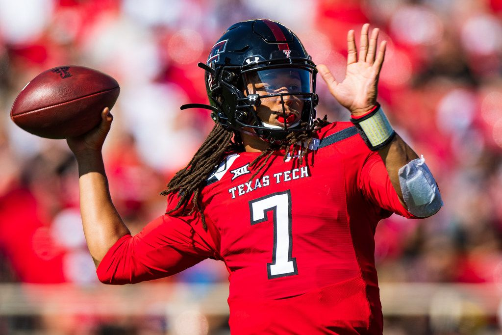 LUBBOCK, TEXAS - OCTOBER 05: Quarterback Jett Duffey #7 of the Texas Tech Red Raiders passes the ball during the first half of the college football game between the Texas Tech Red Raiders and the Oklahoma State Cowboys on October 05, 2019 at Jones AT&T Stadium in Lubbock, Texas.