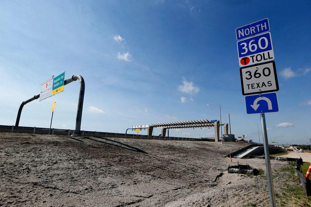 The highway extension of State Highway 360 at the Ragland Road exit in Grand Prairie, and other segments of the 360 Tollway will open at various times starting Friday afternoon. (Nathan Hunsinger/The Dallas Morning News)