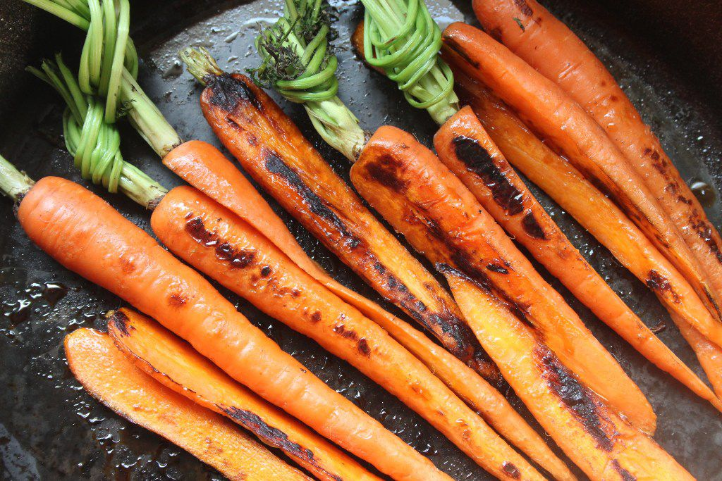 Carrots in cast iron