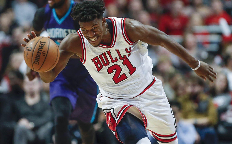 Jimmy Butler anotó 52 puntos para Chicago el lunes. Foto AP