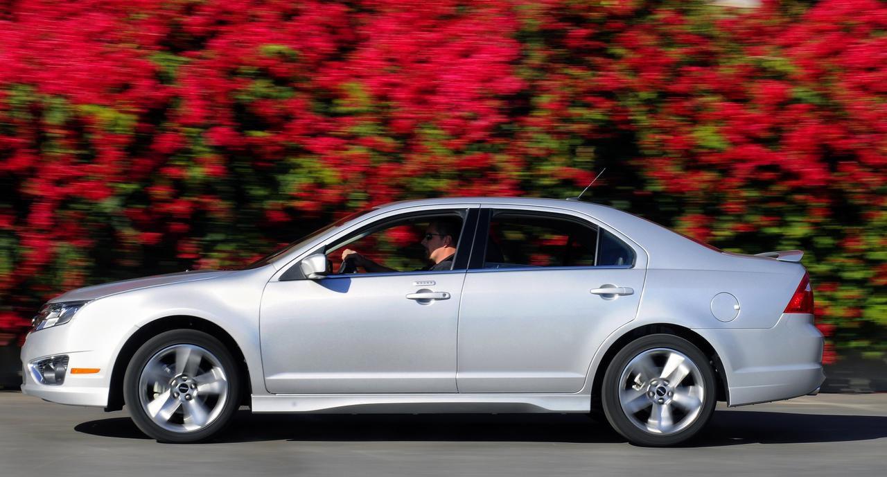 El Ford Fusion del 2010 es uno de los modelos que será retirado. (ARCHIVO/FORD)