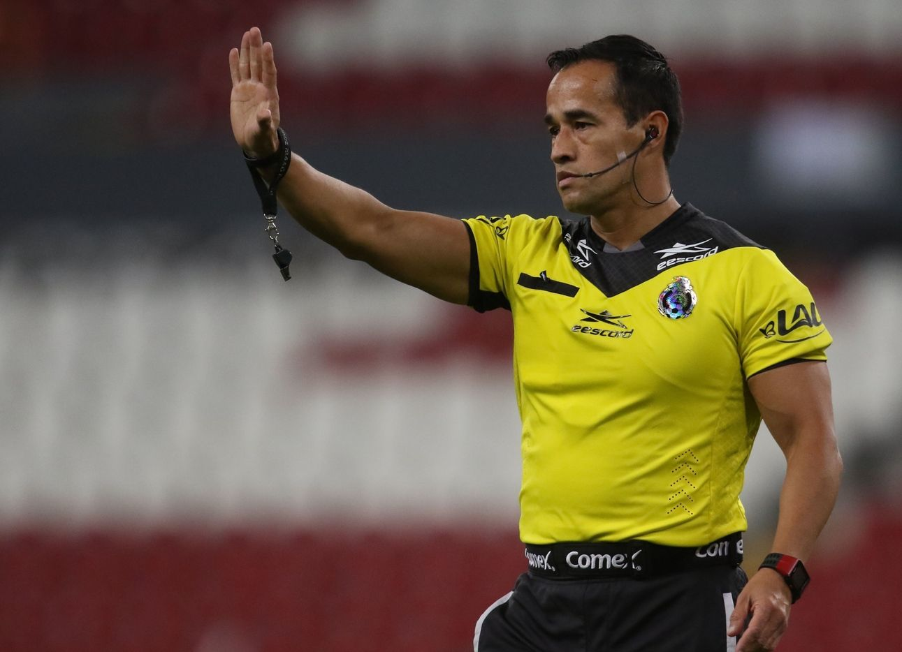 Jorge Isaac Rojas será el árbitro del Clásico entre América y Pumas.
