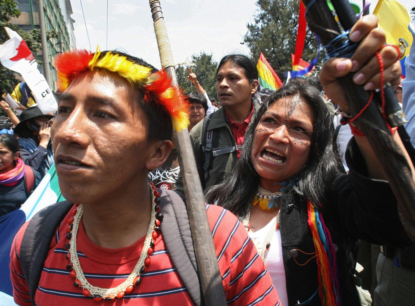 En Ecuador, indígenas han protestado varias ocasiones contra el presidente en turno.