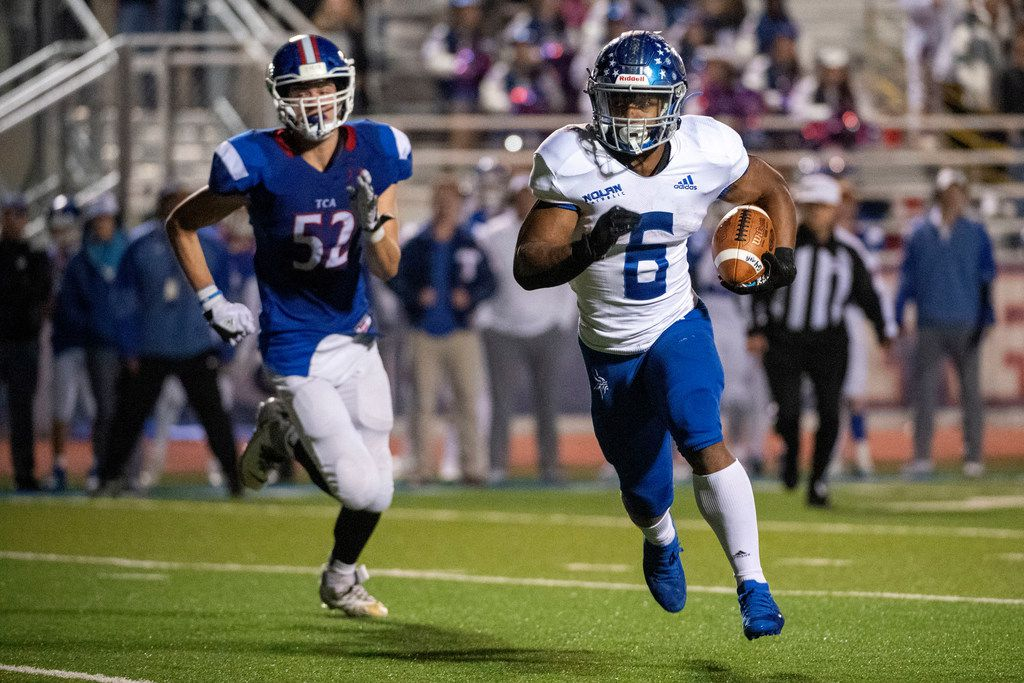 Fort Worth Nolan running back Emeka Megwa (6) is rated the 12th-best running back in the nation and the eighth-best overall recruit in Texas in the Class of 2022. (Jeffrey McWhorter/Special Contributor)