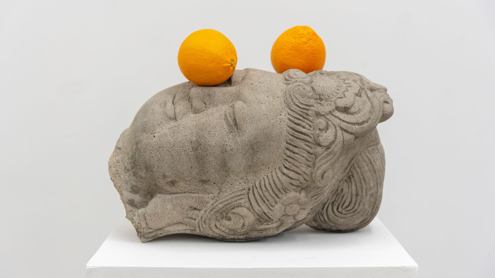Tony Matelli, Head (two oranges) (View 2), 2019.