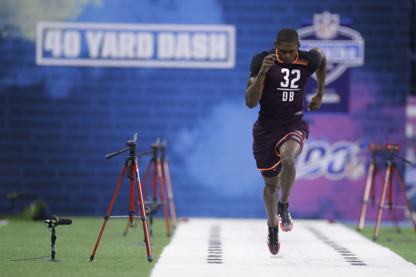 Baylor defensive back Derrek Thomas runs the 40-yard dash during the NFL football scouting combine, Monday, March 4, 2019, in Indianapolis. (AP Photo/Darron Cummings)